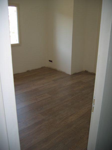 Carrelage sdb faience des wc parquet at maison en for Peinture carrelage sdb