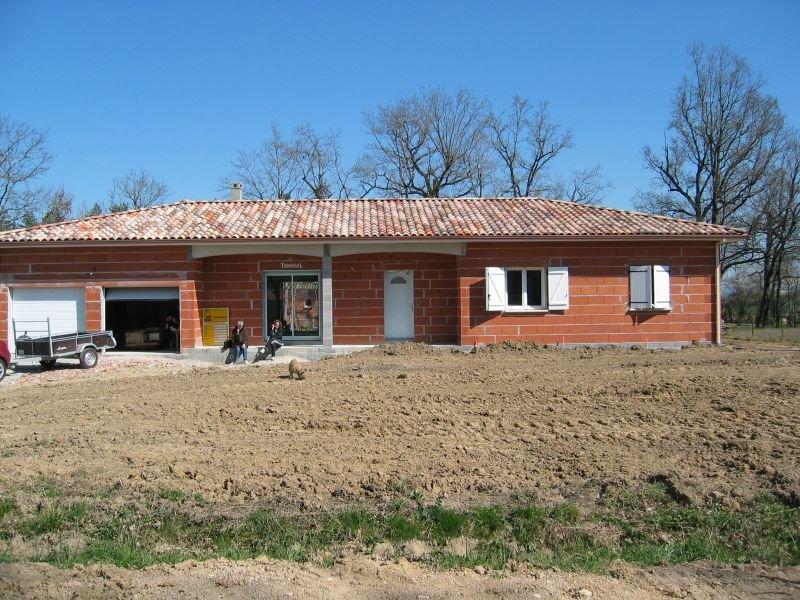 Exterieur at maison en construction for Annuler offre achat maison
